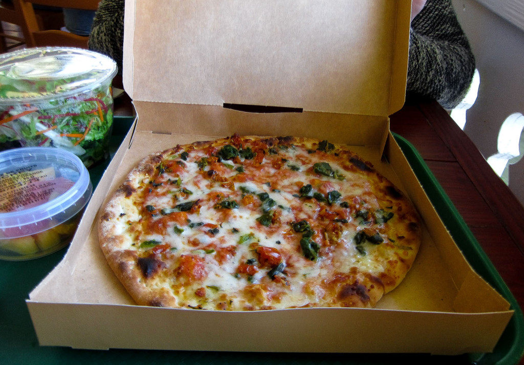disneyland_paris_colonel_hathis_pizza