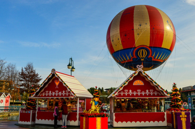 disneyland_paris_disney_village1