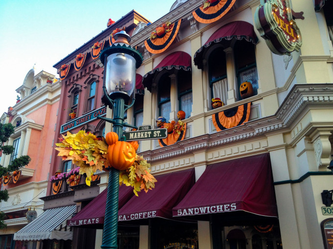 halloween main street usa1