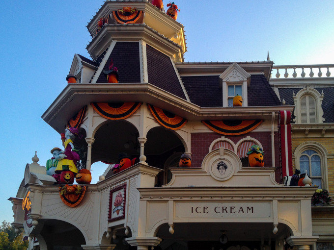 halloween main street usa 7
