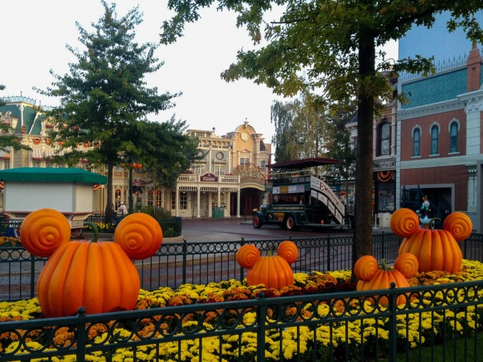 halloween town square ghost 9