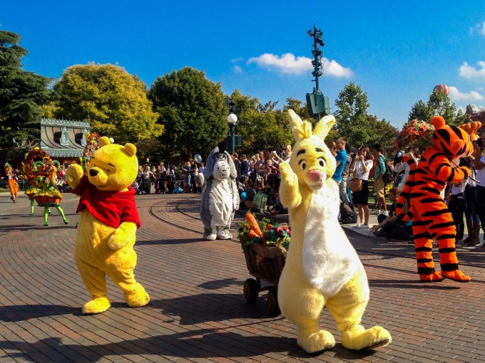 halloween pooh and friends